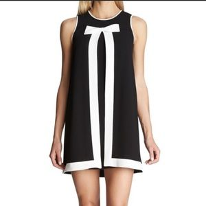 Cece Dress/ Bow font shift dress